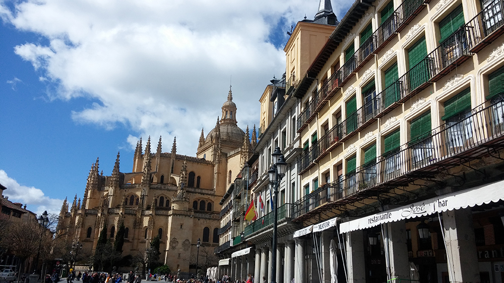 plaza mayor e catedral segovia